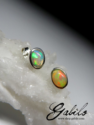 Earrings with Ethiopian opal