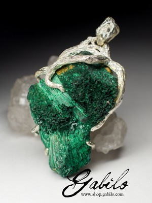 Silver pendant with plastique malachite