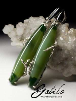 Silver earrings with nephrite with the effect of a cat's eye