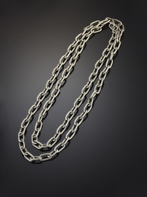 Decoration of Large Steel Chains Two Rows