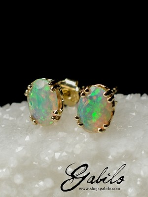 Made to order: Gold stud earrings with opal