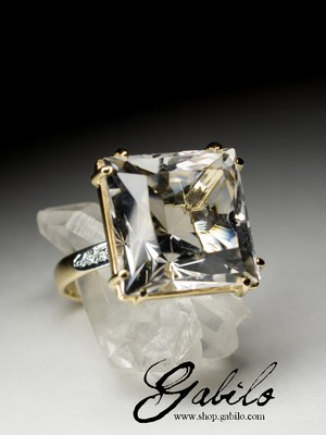 Rock Crystal Gold Ring with Diamonds with gem report MSU