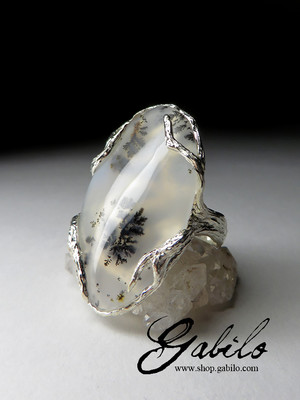 Ring with moss agate in silver