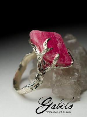 Silver ring with rhodochrosite
