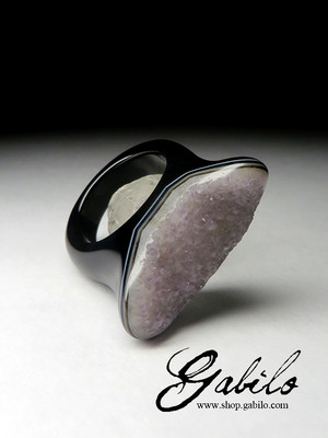 One-piece agate ring