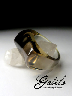 One-piece ring from rauchtopaz