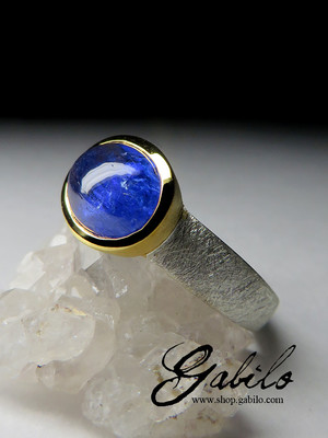 Silver ring with tanzanite