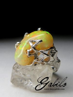 Silver ring with Ethiopian opal