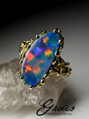 Made to order: Doublet Opal Gold Ring