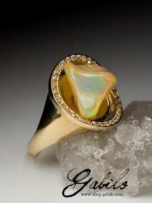 Made to order: Opal gold ring