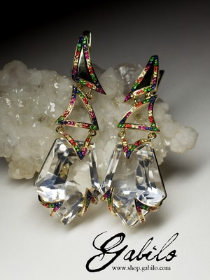 Earrings with rock crystal in gold and sapphires