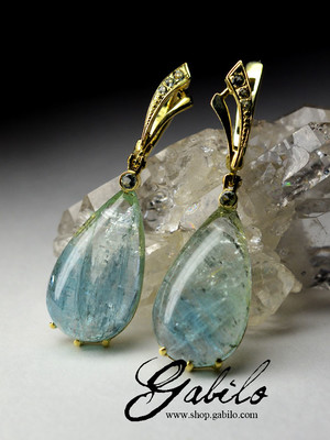 Made to order: Gold earrings with aquamarines