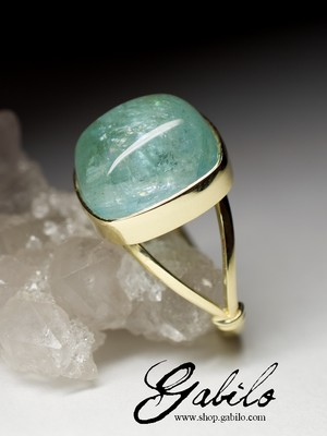 Made to order: Aquamarine gold ring