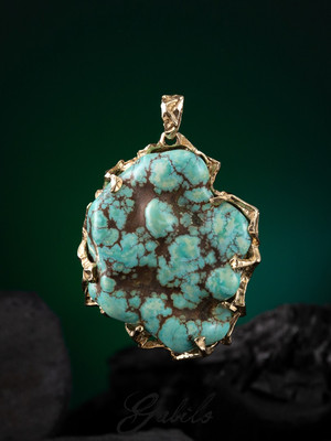 Men's green turquoise gold pendant