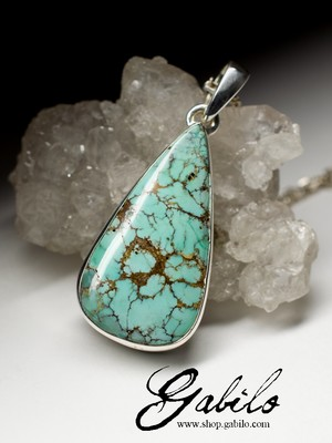 Pendant with turquoise in silver