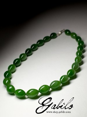 Beads from apple jade under the order
