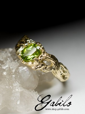 Peridot Gold Ring with gem report MSU