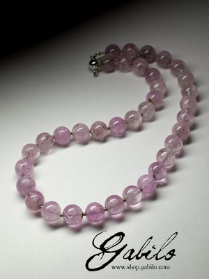 Large beads of kunzite