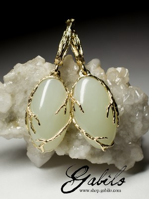 Gold earrings with white jade