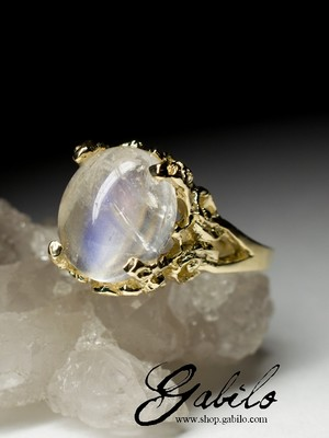 On order: a gold ring with a moonstone