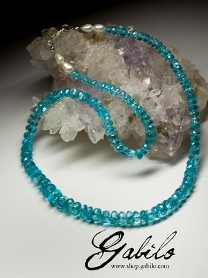 Beads made of apatite