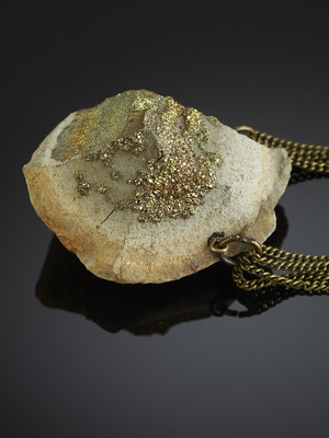 Necklace with spectropyrite on bronze chains
