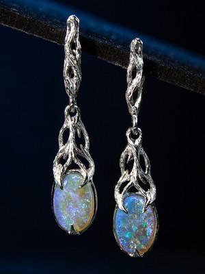 Australian opal gold earrings with Gem Report