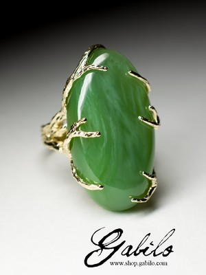 On order: large gold ring with jade