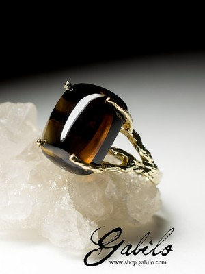 Gold ring with rauchtopaz