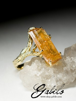 Gold Ring with Topaz Imperial