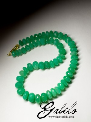 Large beads of chrysoprase