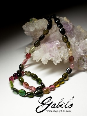 Beads from tourmaline