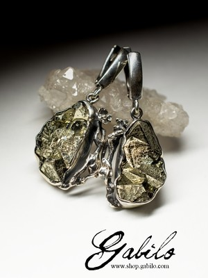 Silver earrings with pyrite