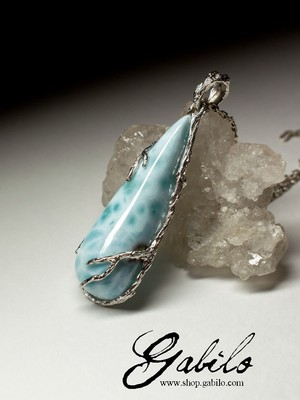 Silver pendant with larimar