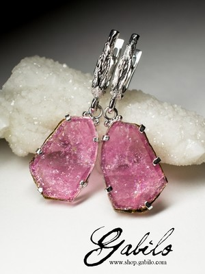 Silver earrings with rubellite