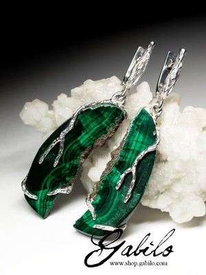 Silver earrings with malachite