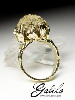 Gold ring with pyrite Art Nouveau
