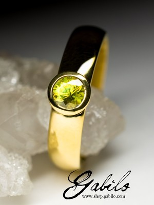 Sphene golden ring with Jewelry Report MSU