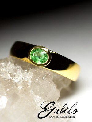Tsavorite Gold Ring with jewellery report MSU