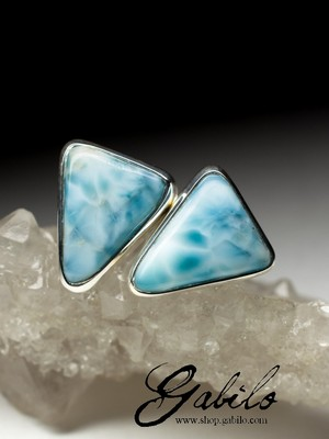 Silver earrings pouches with a larimar